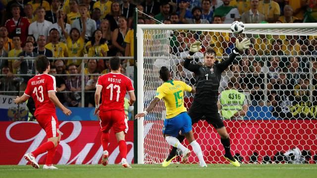Gol Paulinho Reuters