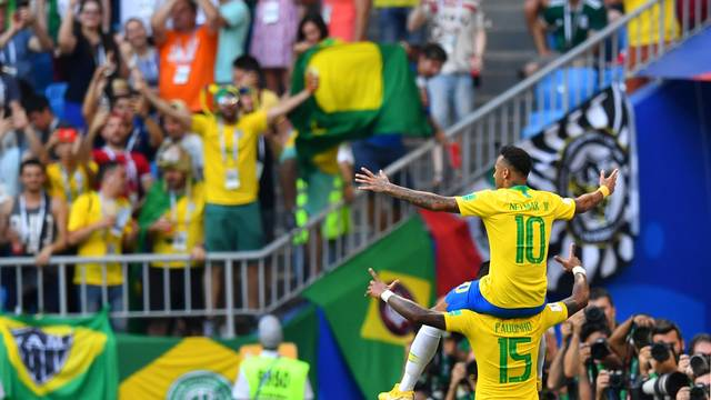 Neymar Paulinho_Dylan Martinez REUTERS